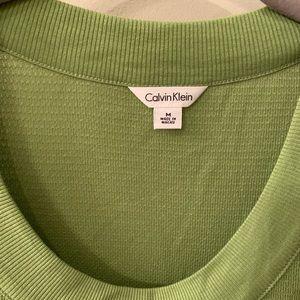 Calvin Klein light sweater/textured 3/4 sleeve tee